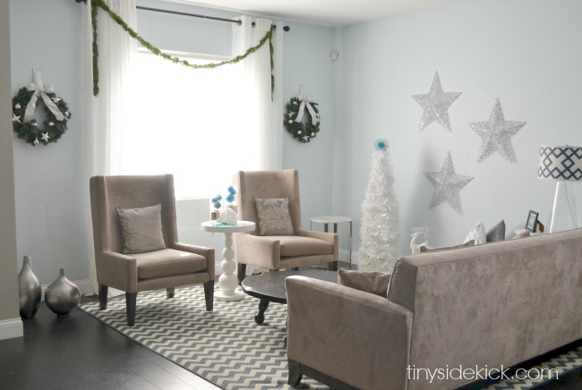 blue and whtie christmas decor