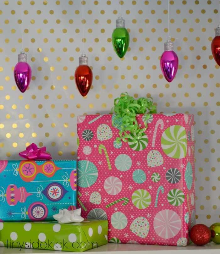 How to decorate for Christmas with wrapping paper