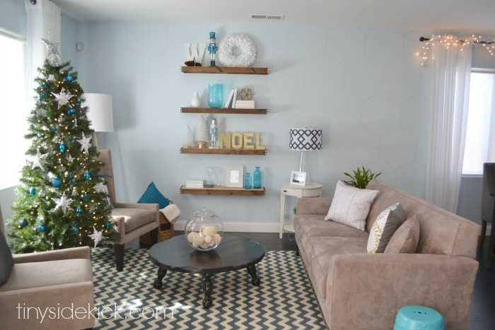 Winter Living Room: Come On In! Christmas Home Tour 2014
