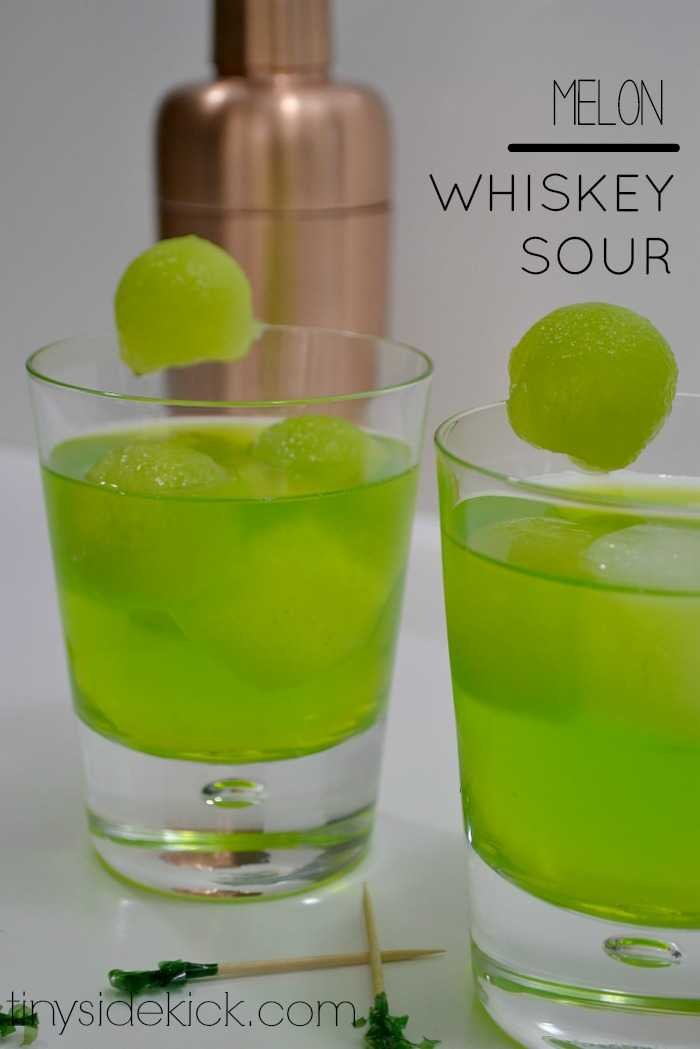 st. patty's day drink, st. patrick's day cocktail, green drink, green cocktail, whisky sour recipe, cocktail made with whiskey, melon midori, midori sour4