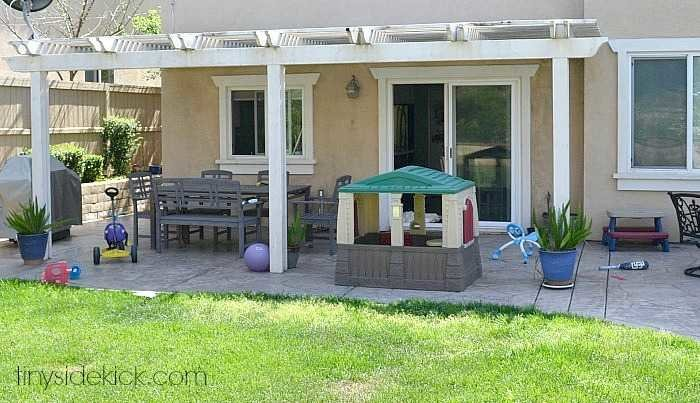 DIY Outdoor Patio Makeover before photo