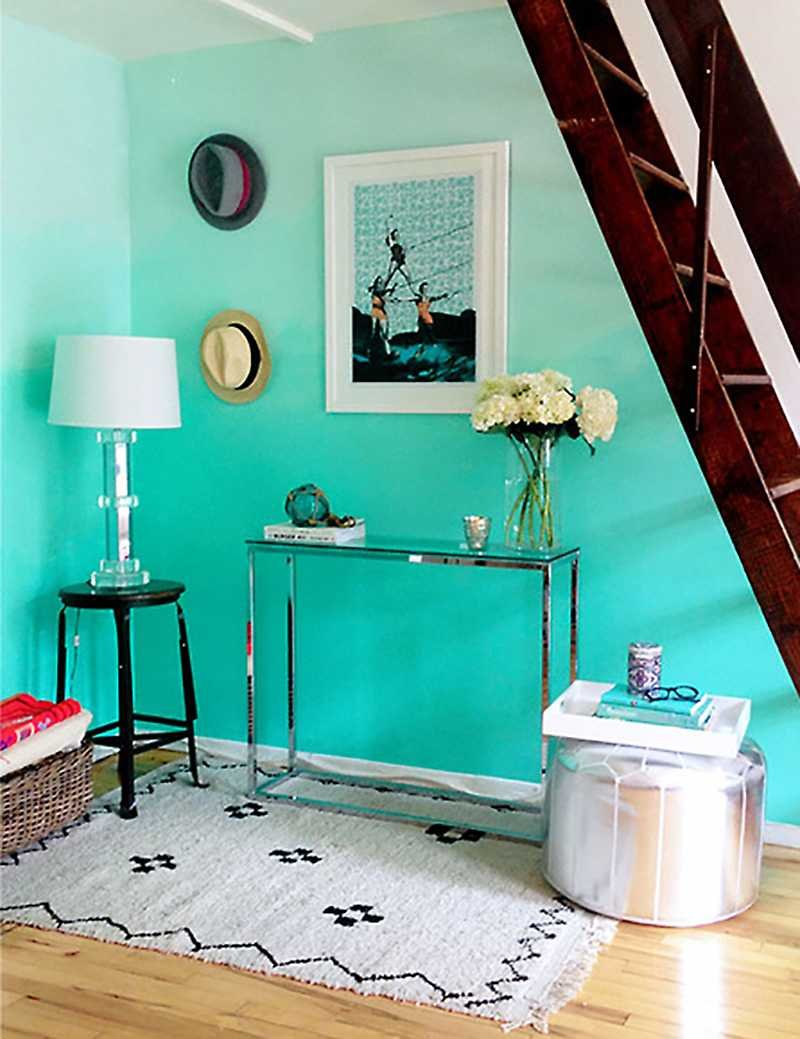 turquoise ombre wall