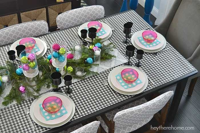 Fun and easy Christmas table decorations in non traditional Christmas colors (6)