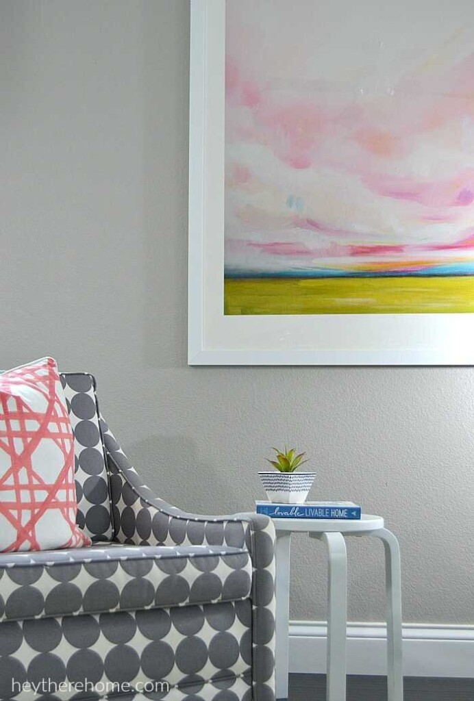 Family room side chair and painting decor