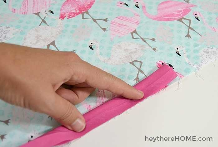 How To Make A Throw Pillow With Piping : How to sew a pillow cover with piping, the easy way