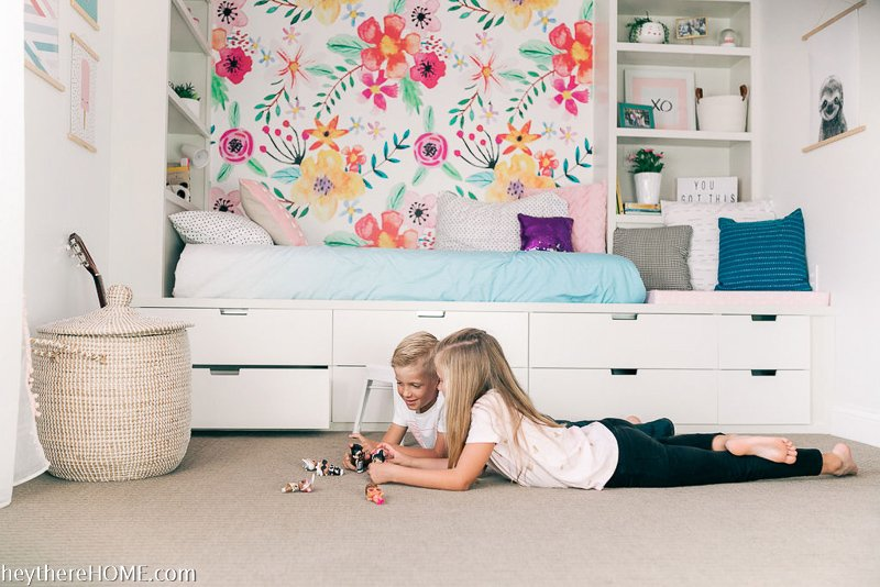 Smart girl's bedroom layout that will last