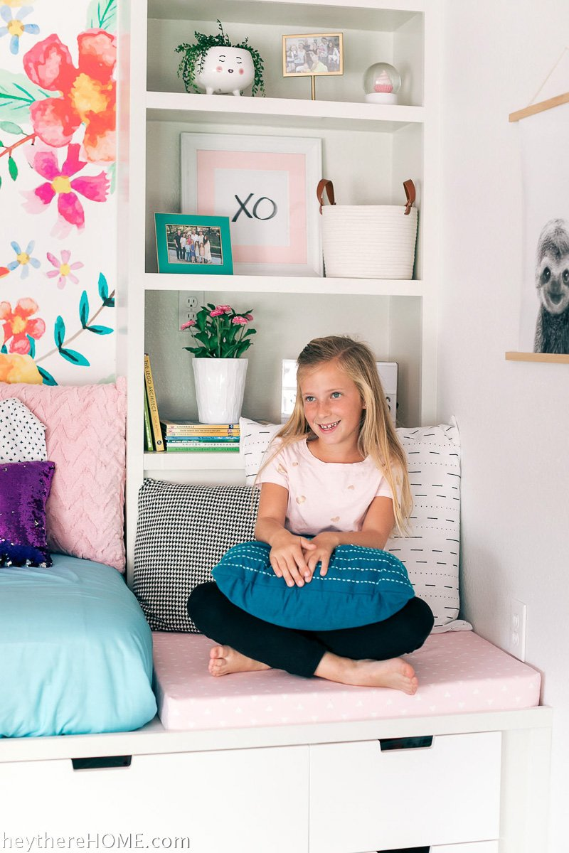 colorful girl's bedroom decor