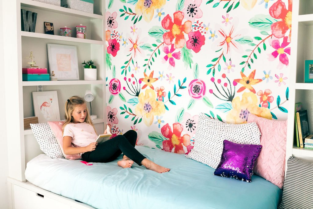 girls bedroom DIY bed